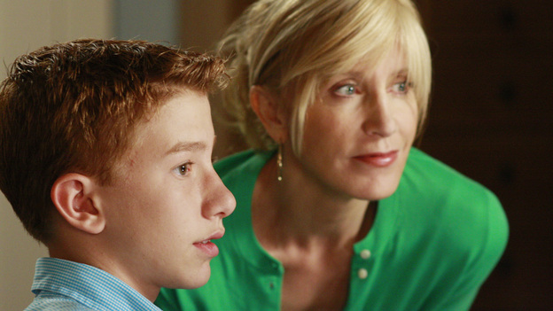 """<p>DESPERATE HOUSEWIVES - """"We're So Happy You're Happy"""" - Parker Scavo with mom Lynette.</p> <p> </p>"""