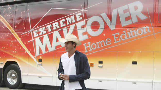 "EXTREME MAKEOVER: HOME EDITION - ""Urban Family"" -- Trisha Urban of Hamburg, Pennsylvania suffered a terrible tragedy with the untimely death of her husband. Now she and her one-year-old daughter have an opportunity to turn the page on their past and open a new chapter in their lives in a home built on a foundation of joy, innocence and whimsy. By drawing upon classic fairy tales and rhymes, the ""Extreme Makeover: Home Edition"" design team rebuilt their crumbling, 300-year-old log cabin and farm and transformed it into the dream home that Trisha and her late husband, Andy, had once hoped for. Celebrity volunteer and supermodel Christie Brinkley helped in the build and participated in a fundraiser at an American Heart Association event honoring Trisha's husband. This episode of ""Extreme Makeover: Home Edition"" airs SUNDAY, OCTOBER 24 (8:00-9:00 p.m., ET) on the ABC Television Network. (ABC/KEN WHITE)TY PENNINGTON"