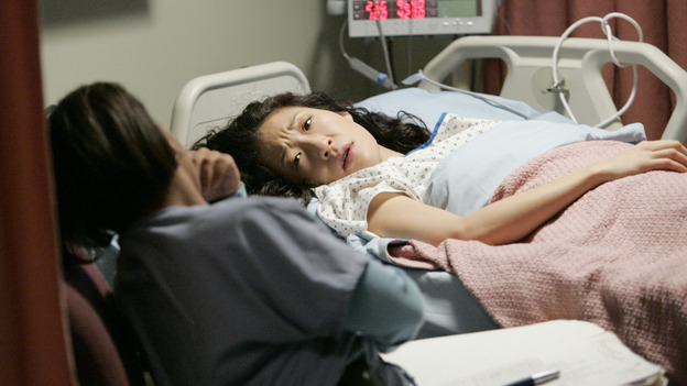 102541_2531 -- GREY'S ANATOMY - &quot;MAKE ME LOSE CONTROL&quot; (ABC/CRAIG SJODIN)CHANDRA WILSON, SANDRA OH