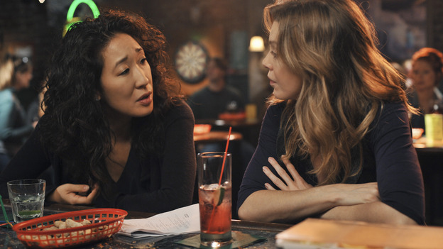 "GREY'S ANATOMY - ""There's No 'I' in Team"" - Cristina and Meredith have another one of their epic conversations at Joe's, on ""Grey's Anatomy,"" THURSDAY, OCTOBER 23 (9:00-10:01 p.m., ET) on the ABC Television Network. (ABC/ERIC MCCANDLESS) SANDRA OH, ELLEN POMPEO"