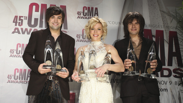 "THE 45th ANNUAL CMA AWARDS - GENERAL - ""The 45th Annual CMA Awards"" broadcast live on ABC from the Bridgestone Arena in Nashville on WEDNESDAY, NOVEMBER 9 (8:00-11:00 p.m., ET). (ABC/SARA KAUSS) THE BAND PERRY"