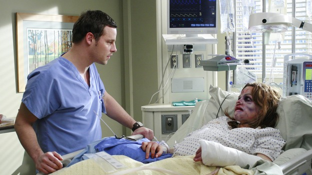 "GREY'S ANATOMY - ""Some Kind of Miracle"" - One person's fight to live affects everyone at Seattle Grace, in the dramatic conclusion to ""Grey's Anatomy's"" three-episode story arc. ""Some Kind of Miracle"" airs THURSDAY, FEBRUARY 22 (9:00-10:01 p.m., ET) on the ABC Television Network. Elizabeth Reaser (Independent Spirit Award nominee for ""Sweet Land"") guest stars as a patient. (ABC/RON TOM)JUSTIN CHAMBERS, ELIZABETH REASER"