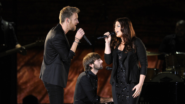 "THE 46TH ANNUAL CMA AWARDS - THEATRE - ""The 46th Annual CMA Awards"" airs live THURSDAY, NOVEMBER 1 (8:00-11:00 p.m., ET) on ABC live from the Bridgestone Arena in Nashville, Tennessee. (ABC/KATHERINE BOMBOY-THORNTON)LADY ANTEBELLUM"