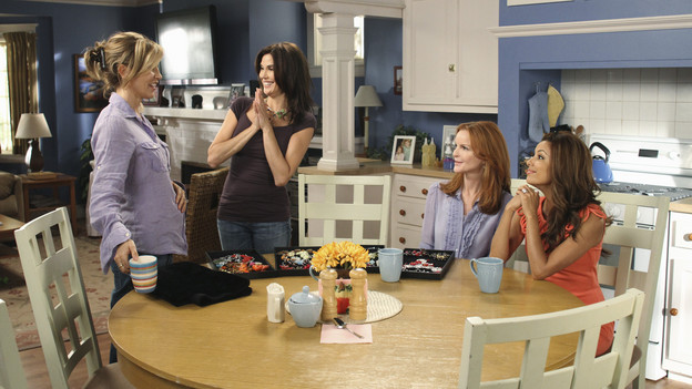DESPERATE HOUSEWIVES - &quot;Remember Paul?&quot; - The residents of Wisteria Lane are stunned to discover that Paul Young is out of prison and back in the neighborhood with an enigmatic new wife and seemingly dark motives. Meanwhile, while Paul is renting Susan's home, she, Mike and MJ are living in an apartment on limited funds. But Susan sees a glimmer of hope in getting her life back on the Lane when she's offered an unorthodox job by her apartment manager, Maxine (Lainie Kazan); Lynette's rich and successful college friend, Renee (Vanessa Williams), pays an unexpected visit to the Scavo household; Gabrielle and Carlos find themselves keeping secrets from one another; and Bree, newly single and needing a fresh start after selling her business, finds herself tempted by Keith (Brian Austin Green) -- the handsome, young handyman she's hired to update her house -- on the season premiere of &quot;Desperate Housewives,&quot; SUNDAY, SEPTEMBER 26 (9:00-10:01 p.m., ET) on the ABC Television Network. (ABC/RON TOM)FELICITY HUFFMAN, TERI HATCHER, MARCIA CROSS, EVA LONGORIA PARKER