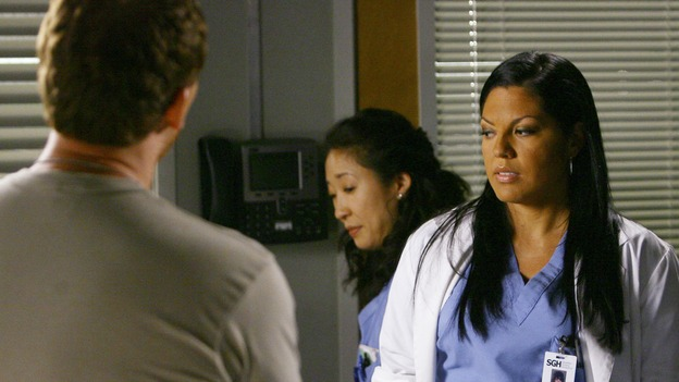 "GREY'S ANATOMY - ""Dream a Little Dream of Me"" - Callie and Cristina meet Maj, Owen Hunt, on ""Grey's Anatomy,"" THURSDAY, SEPTEMBER 25 (9:00-11:00 p.m., ET) on the ABC Television Network. (ABC/SCOTT GARFIELD) KEVIN McKIDD, SANDRA OH, SARA RAMIREZ"