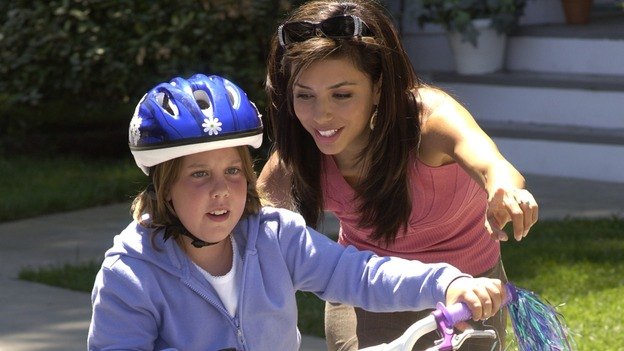"DESPERATE HOUSEWIVES - ""PRETTY LITTLE PICTURE"" (ABC/DANNY FELD)EMILY CHRISTINE, EVA LONGORIA"