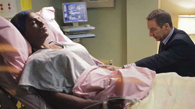 PRIVATE PRACTICE - &quot;Short Cuts&quot; - Violet and Cooper make amendments to their friendship in order to please their significant others; Pete and Cooper get in an argument involving marijuana use by a patient (guest starring Justine Bateman as Sydney); Addison is conflicted about going public with her new romance, and Sheldon's decision to deny approval for a patient's sex change backfires, on &quot;Private Practice,&quot; THURSDAY, SEPTEMBER 30 (10:01-11:00 p.m., ET) on the ABC Television Network. (ABC/ADAM TAYLOR)DARRYL STEPHENS, BRIAN BENBEN