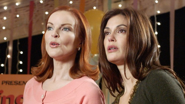 DESPERATE HOUSEWIVES -- &quot;YOUR FAULT&quot; (ABC/RON TOM) MARCIA CROSS, TERI HATCHER