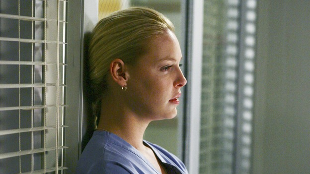 "GREY'S ANATOMY - ""Superstition"" - When a series of deaths occur at Seattle Grace, the uncanny events bring out the doctors' superstitious sides and make Izzie nervous about Denny's surgery. Meanwhile, Derek and Addison discuss making a more permanent living arrangement, and Richard treats a very special, old friend, on ""Grey's Anatomy,"" SUNDAY, MARCH 19 (10:00-11:00 p.m., ET) on the ABC Television Network. (ABC/SCOTT GARFIELD)KATHERINE HEIGL"