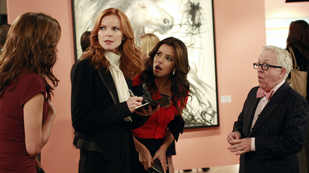 "DESPERATE HOUSEWIVES - ""Suspicion Song"" - Detective Chuck Vance begins harassing Bree as his suspicions about her involvement in the disappearance of Alejandro grow; after using the murder of Gaby's stepfather as inspiration for her art school projects, Susan must find a way to graciously decline art school teacher Andre's (Miguel Ferrer) invitation to display and sell her paintings at a gallery showing; when Carlos's drinking gets in the way of his ability to work, Gaby goes to the office in an effort to save his business from losing a multi-million dollar account; and on the occasion of their 22-year anniversary, Lynette comes up with a plan to try to salvage her marriage to Tom, on ""Desperate Housewives,"" SUNDAY, NOVEMBER 13 (9:00-10:01 p.m., ET) on the ABC Television Network. (ABC/RON TOM)TERI HATCHER, MARCIA CROSS, EVA LONGORIA, LESLIE JORDAN"