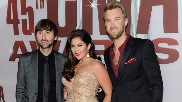 "THE 45th ANNUAL CMA AWARDS - RED CARPET ARRIVALS - ""The 45th Annual CMA Awards"" will broadcast live on ABC from the Bridgestone Arena in Nashville on WEDNESDAY, NOVEMBER 9 (8:00-11:00 p.m., ET). (ABC/JASON KEMPIN)LADY ANTEBELLUM"