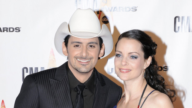 "THE 43rd ANNUAL CMA AWARDS - RED CARPET ARRIVALS - ""The 43rd Annual CMA Awards"" will be broadcast live from the Sommet Center in Nashville, WEDNESDAY, NOVEMBER 11 (8:00-11:00 p.m., ET) on the ABC Television Network. (ABC/DONNA SVENNEVIK)BRAD PAISLEY, KIMBERLY WILLIAMS-PAISLEY"