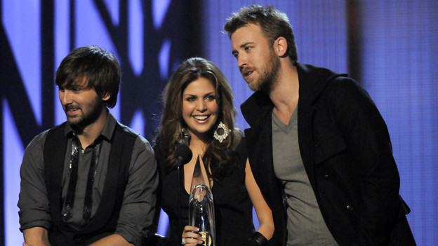"THE 43rd ANNUAL CMA AWARDS - THEATRE - ""The 43rd Annual CMA Awards"" broadcast live from the Sommet Center in Nashville, WEDNESDAY, NOVEMBER 11 (8:00-11:00 p.m., ET) on the ABC Television Network. (ABC/KATHERINE BOMBOY)LADY ANTEBELLUM"