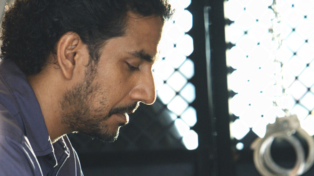 "LOST - ""What They Died For"" - While Locke devises a new strategy, Jack's group searches for Desmond, on ""Lost,"" TUESDAY, MAY 18 (9:00-10:02 p.m., ET) on the ABC Television Network. (ABC/MARIO PEREZ)NAVEEN ANDREWS"