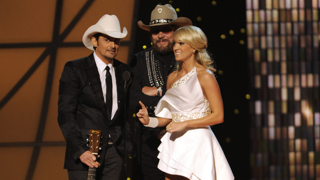 THE 45th ANNUAL CMA AWARDS - THEATRE - &quot;The 45th Annual CMA Awards&quot; broadcast live on ABC from the Bridgestone Arena in Nashville on WEDNESDAY, NOVEMBER 9 (8:00-11:00 p.m., ET). (ABC/KATHERINE BOMBOY-THORNTON)BRAD PAISLEY, HANK WILLIAMS JR., CARRIE UNDERWOOD