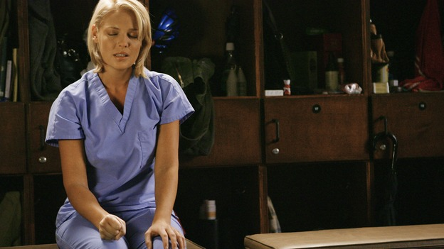 "GREY'S ANATOMY - ""Rise Up"" - Izzie tries to make sense of the fact that she's seeing Denny, on ""Grey's Anatomy,"" THURSDAY, NOVEMBER 6 (9:00-10:01 p.m., ET) on the ABC Television Network. (ABC/SCOTT GARFIELD) KATHERINE HEIGL"
