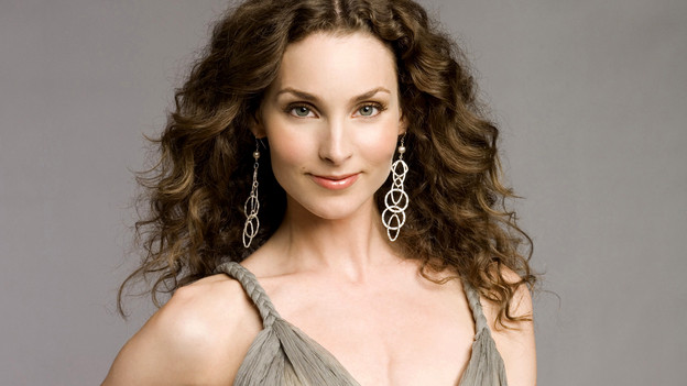 Alicia Minshew as Kendall Hart