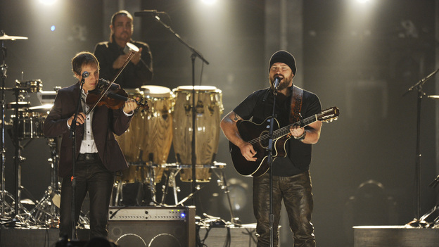 "THE 46TH ANNUAL CMA AWARDS - THEATRE - ""The 46th Annual CMA Awards"" airs live THURSDAY, NOVEMBER 1 (8:00-11:00 p.m., ET) on ABC live from the Bridgestone Arena in Nashville, Tennessee. (ABC/KATHERINE BOMBOY-THORNTON)ZAC BROWN BAND"