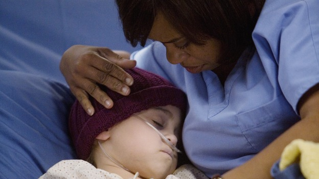 GREY'S ANATOMY - &quot;Sweet Surrender&quot; - Bailey comforts a dying girl as her father tries anything to save his terminal little girl, on &quot;Grey's Anatomy,&quot; THURSDAY, APRIL 23 (9:00-10:02 p.m., ET) on the ABC Television Network. (ABC/RANDY HOLMES) MARY-CHARLES JONES, CHANDRA WILSON