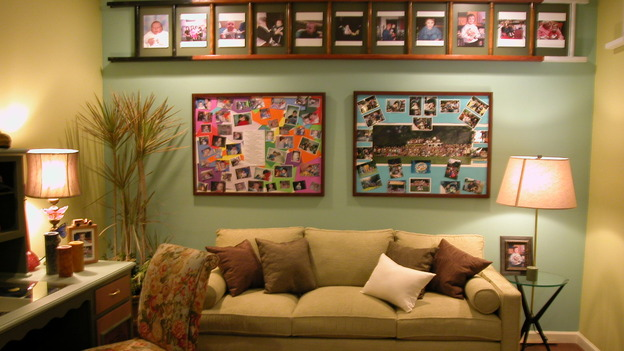 EXTREME MAKEOVER HOME EDITION - &quot;Arena Family,&quot; - Living Room, on &quot;Extreme Makeover Home Edition,&quot; Sunday, May 14th on the ABC Television Network.