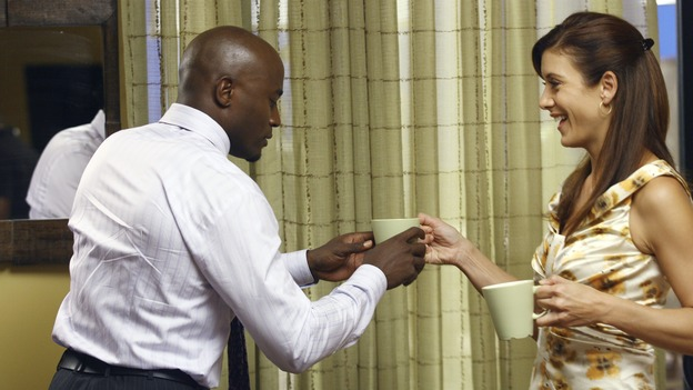 PRIVATE PRACTICE - &quot;In Which Addison Has a Very Casual Get-Together&quot; - Addison invites her fellow Oceanside Wellness co-workers to her house for a get-together, but no one RSVPs, the wife of Violet's ex-boyfriend visits the wellness center for medical treatment -- and Violet is none too happy about it -- Cooper counsels a young patient who is lovesick, and Sam appears on his first talk show promoting his self-help book, on &quot;Private Practice,&quot; WEDNESDAY, OCTOBER 17 (9:00-10:01 p.m., ET) on the ABC Television Network. (ABC/SCOTT GARFIELD)TAYE DIGGS, KATE WALSH