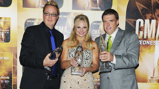 THE 44TH ANNUAL CMA AWARDS - GENERAL - &quot;The 44th Annual CMA Awards&quot; will be broadcast live from the Bridgestone Arena in Nashville, WEDNESDAY, NOVEMBER 10 (8:00-11:00 p.m., ET) on the ABC Television Network. (ABC/ANDREW WALKER)MIKE WRUCKE, MIRANDA LAMBERT, FRANK LIDDELL