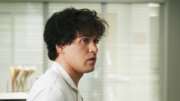 "GREY'S ANATOMY - ""Tell Me Sweet Little Lies"" (ABC/MICHAEL DESMOND)T.R. KNIGHT"