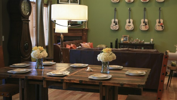 EXTREME MAKEOVER HOME EDITION - &quot;Hampton Family,&quot; - Dining Room, on &quot;Extreme Makeover Home Edition,&quot; Sunday, October 4th on the ABC Television Network.