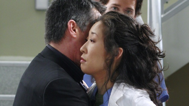 "GREY'S ANATOMY - ""Scars and Souvenirs"" - The race for chief heats up after a new competitor enters the fray, tensions escalate between Izzie and George, and Callie must reveal a big secret. Meanwhile, Derek treats a patient near and dear to him, while Alex continues his work with Jane Doe, on ""Grey's Anatomy,"" THURSDAY, MARCH 15 (9:00-10:01 p.m., ET) on the ABC Television Network. (ABC/RON TOM)ROGER REES, SANDRA OH, T.R. KNIGHT"