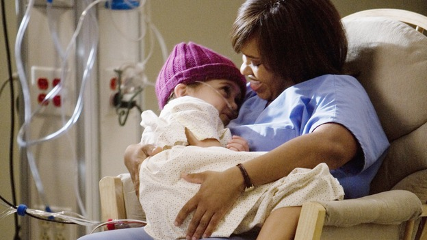 "GREY'S ANATOMY - ""Sweet Surrender"" - Bailey comforts a dying girl as her father tries anything to save his terminal little girl, on ""Grey's Anatomy,"" THURSDAY, APRIL 23 (9:00-10:02 p.m., ET) on the ABC Television Network. (ABC/RANDY HOLMES) MARY-CHARLES JONES, CHANDRA WILSON"
