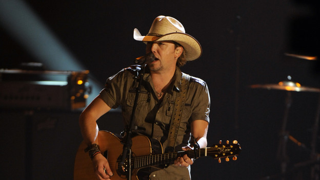 "THE 43rd ANNUAL CMA AWARDS - THEATRE - ""The 43rd Annual CMA Awards"" broadcast live from the Sommet Center in Nashville, WEDNESDAY, NOVEMBER 11 (8:00-11:00 p.m., ET) on the ABC Television Network. (ABC/KATHERINE BOMBOY)JASON ALDEAN"