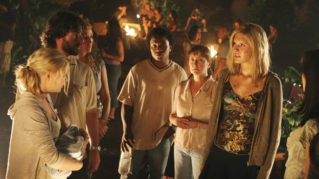 LOST - &quot;Adrift&quot; (ABC/MARIO PEREZ)EMILIE de RAVIN, MAGGIE GRACE - BEHIND THE SCENES