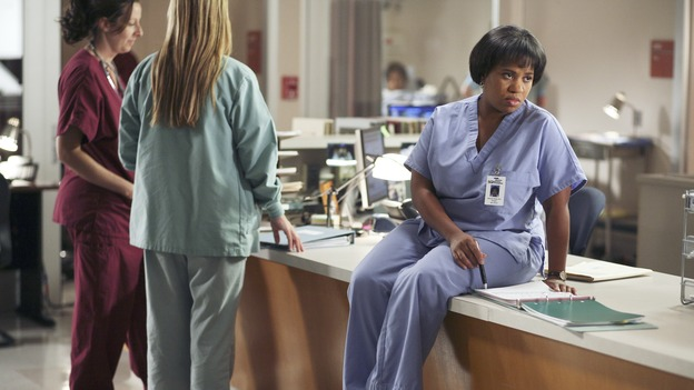 "GREY'S ANATOMY - ""From a Whisper to a Scream"" - A traumatic car accident fills the ER, Cristina has a crisis of conscience about her deceptive teamwork with Burke, and Izzie pushes the boundaries of her probation, on ""Grey's Anatomy,"" THURSDAY, NOVEMBER 23 (9:00-10:01 p.m., ET) on the ABC Television Network. (ABC/KAREN NEAL)CHANDRA WILSON"