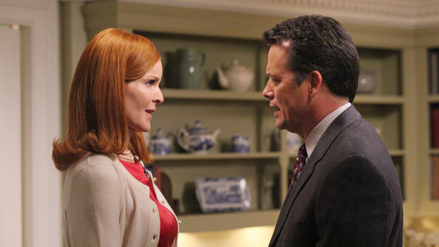 "DESPERATE HOUSEWIVES - ""Women and Death"" (ABC/DANNY FELD)MARCIA CROSS, STEVEN CULP"