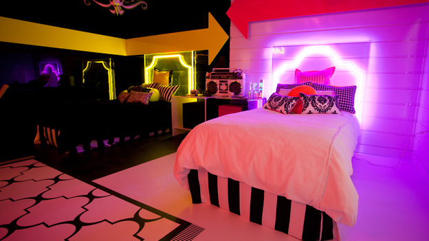 Abc news store extreme teen for Extreme makeover bedroom ideas