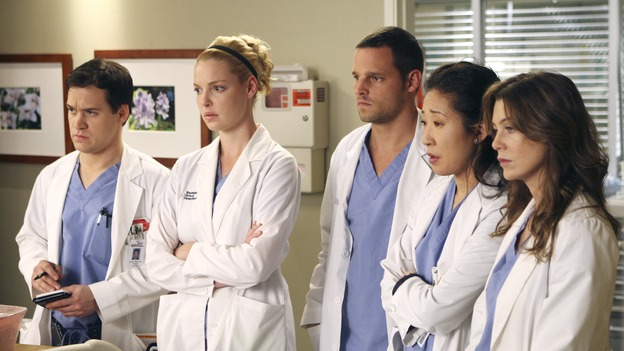 "GREY'S ANATOMY - ""Six Days"" - After a successful operation on his heart, George's father undergoes surgery for his cancer, Thatcher Grey visits Seattle Grace in order to see his new granddaughter, and Meredith discovers that Derek has trouble sleeping soundly, on ""Grey's Anatomy,"" THURSDAY, JANUARY 4 (9:00-10:01 p.m., ET) on the ABC Television Network. (ABC/MICHAEL DESMOND)T.R. KNIGHT, KATHERINE HEIGL, JUSTIN CHAMBERS, SANDRA OH, ELLEN POMPEO"