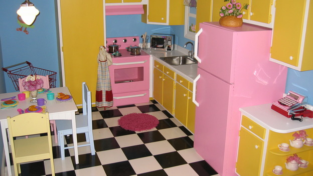 EXTREME MAKEOVER HOME EDITION - &quot;Farina Family,&quot; - Play Kitchen, on &quot;Extreme Makeover Home Edition,&quot; Sunday, November 12th on the ABC Television Network.