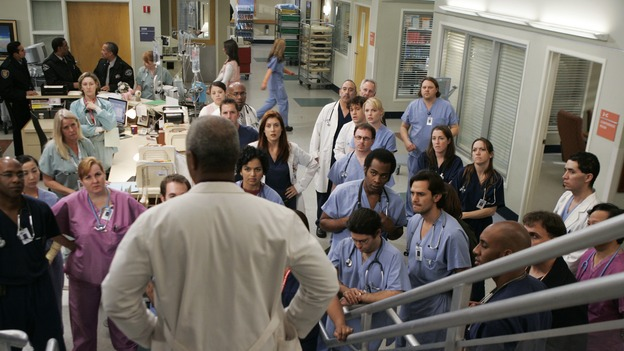 "GREY'S ANATOMY - ""It's the End of the World (As We Know It)"" (ABC/PETER ""HOPPER"" STONE)JAMES PICKENS, JR., KATE WALSH, T.R. KNIGHT, KATHERINE HEIGL"