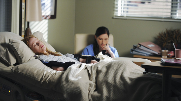 "GREY'S ANATOMY - ""Goodbye"" (ABC/ERIC MCCANDLESS)ZOE BOYLE, CHYLER LEIGH"