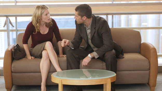 LOST - &quot;A Tale of Two Cities&quot; (ABC/MARIO PEREZ)JULIE BOWEN, MATTHEW FOX