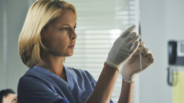 "GREY'S ANATOMY - ""Life During Wartime"" - Dr. Izzie Stevens, on ""Grey's Anatomy,"" THURSDAY, OCTOBER 30 (9:00-10:01 p.m., ET) on the ABC Television Network. (ABC/ERIC MCCANDLESS) KATHERINE HEIGL"