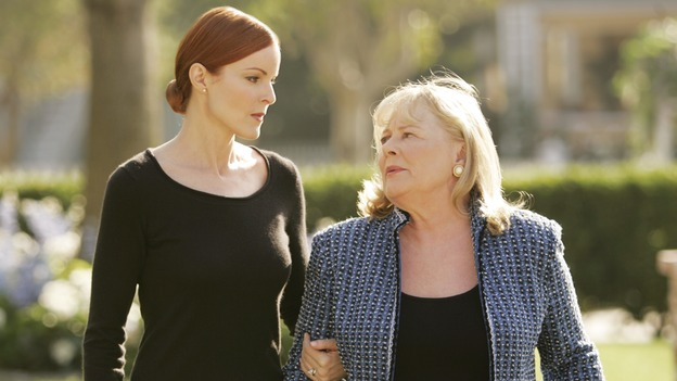 "DESPERATE HOUSEWIVES - ""You'll Never Get Away From Me"" (ABC/CRAIG SJODIN)MARCIA CROSS, SHIRLEY KNIGHT"