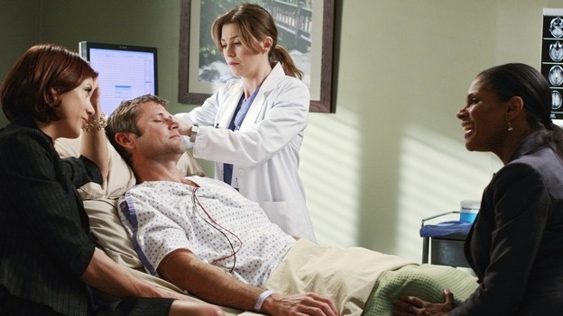 "GREY'S ANATOMY - ""Before and After"" - Meredith examines Archer while Addison and Naomi stay near his bedside, on ""Grey's Anatomy,"" THURSDAY, FEBRUARY 12 (9:00-10:02 p.m., ET) on the ABC Television Network. (ABC/RON TOM) KATE WALSH, GRANT SHOW, ELLEN POMPEO, AUDRA MCDONALD"