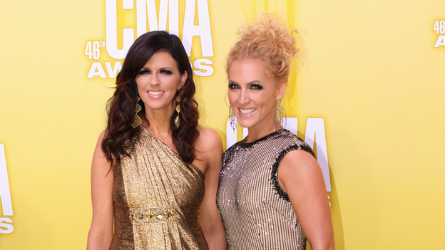 "THE 46TH ANNUAL CMA AWARDS - RED CARPET ARRIVALS - ""The 46th Annual CMA Awards"" airs live THURSDAY, NOVEMBER 1 (8:00-11:00 p.m., ET) on ABC live from the Bridgestone Arena in Nashville, Tennessee. (ABC/SARA KAUSS)KAREN FAIRCHILD AND KIMBERLY SCHLAPMAN OF LITTLE BIG TOWN"