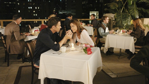 PRIVATE PRACTICE - &quot;Worlds Apart&quot; - Pete's girlfriend, Meg, returns to Los Angeles and notices that Pete and Violet are considerably closer; Kevin questions the direction he and Addison are headed in as a couple; Cooper treats a young diabetic boy with a mysterious past; and Charlotte and her team of Pacific Wellcare doctors continue to siphon business away from Oceanside Wellness, on &quot;Private Practice,&quot; WEDNESDAY, DECEMBER 17 (9:00-10:01 p.m., ET) on the ABC Television Network. (ABC/RICHARD CARTWRIGHT)TIM DALY, JAYNE BROOK