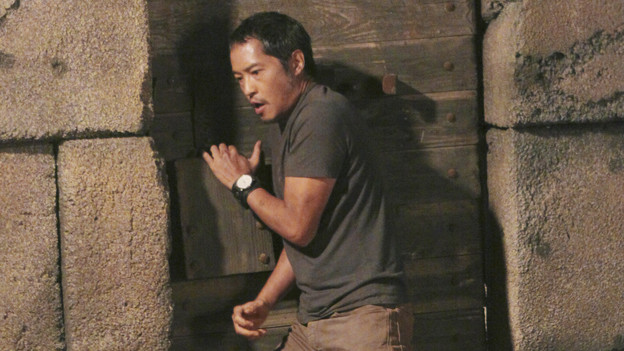 "LOST - ""Sundown"" - Sayid is faced with a difficult decision, and Claire sends a warning to the temple inhabitants, on ""Lost,"" TUESDAY, MARCH 2 (9:00-10:00 p.m., ET) on the ABC Television Network. (ABC/MARIO PEREZ)KEN LEUNG"