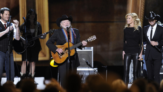 "THE 46TH ANNUAL CMA AWARDS - THEATRE - ""The 46th Annual CMA Awards"" airs live THURSDAY, NOVEMBER 1 (8:00-11:00 p.m., ET) on ABC live from the Bridgestone Arena in Nashville, Tennessee. (ABC/KATHERINE BOMBOY-THORNTON) BLAKE SHELTON, WILLIE NELSON, FAITH HILL, TIM MCGRAW"
