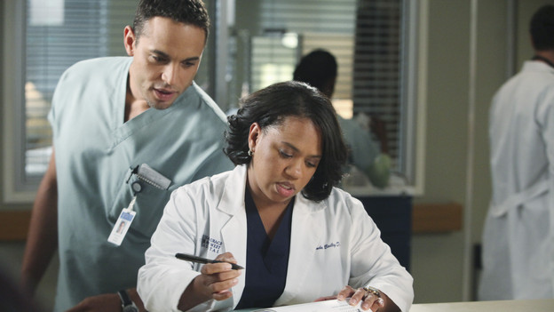 "GREY'S ANATOMY - ""Start Me Up"" - Arizona seeks Mark's advice as she tries to reconcile with Callie, who has big news of her own; Teddy must make a key decision for Henry during his surgery; and on the same day the residents receive a new crop of interns, the Chief announces he is looking for a new Chief Resident, on ""Grey's Anatomy,"" THURSDAY, JANUARY 13 (9:00-10:01 p.m., ET) on the ABC Television Network. (ABC/DANNY FELD)DANIEL SUNJATA, CHANDRA WILSON"