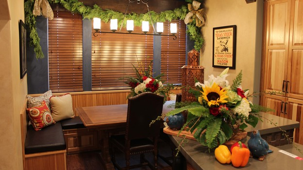 &nbsp;EXTREME MAKEOVER HOME EDITION - Dining Room Photo, &quot;Harris Family,&quot; on &quot;Extreme Makeover Home Edition,&quot; Monday, December 10th (8:00-10:00 p.m. ET/PT) on the ABC Television Network.