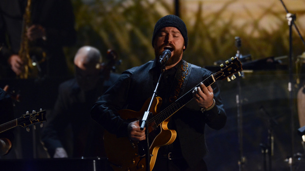 "THE 45th ANNUAL CMA AWARDS - THEATRE - ""The 45th Annual CMA Awards"" broadcast live on ABC from the Bridgestone Arena in Nashville on WEDNESDAY, NOVEMBER 9 (8:00-11:00 p.m., ET). (ABC/KATHERINE BOMBOY-THORNTON)ZAC BROWN"